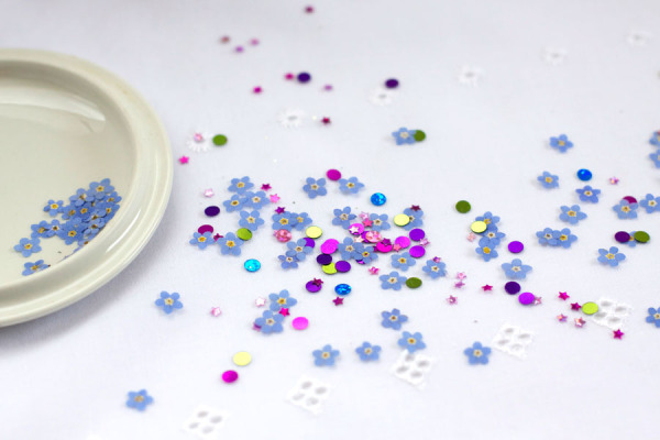 DIY Pressed Flower Confetti - Party and Wedding Idea