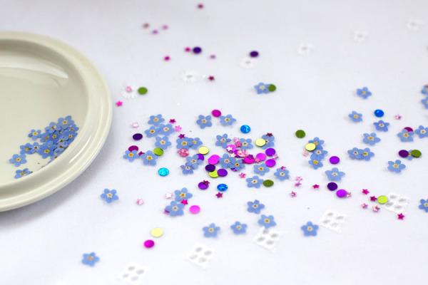 DIY Pressed Flower Confetti - Party and Wedding Idea