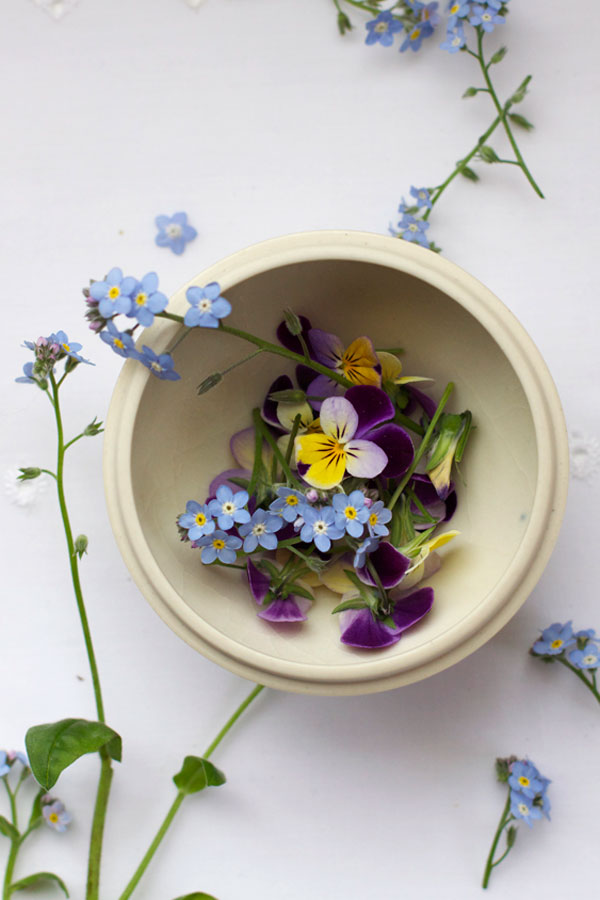 DIY Pressed Flower Confetti Tutorial made with Fresh Flowers