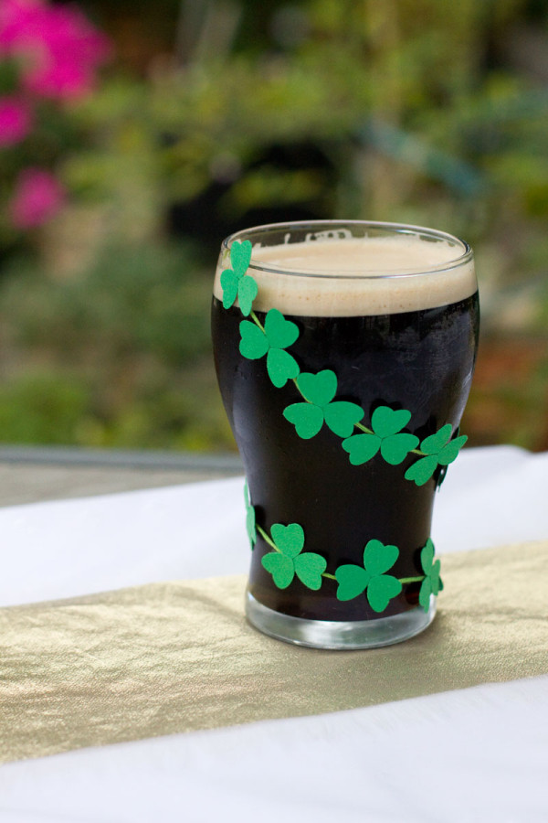 Decorative St Patricks Day Mini Clover Paper Garland for Beer DIY Party